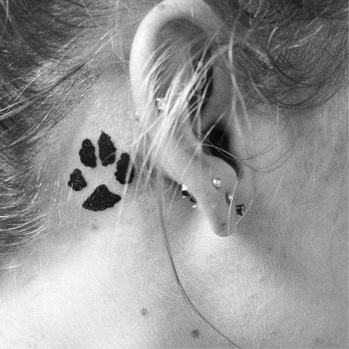 behind-the-ear-tattoos04