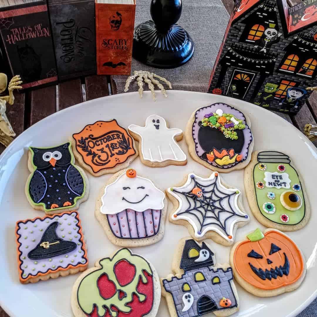 23 Cute But Spooky-Looking Halloween Cookies